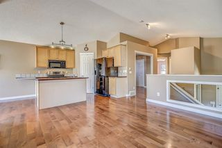 Photo 8: 411 EVERMEADOW Road SW in Calgary: Evergreen Detached for sale : MLS®# A1025224