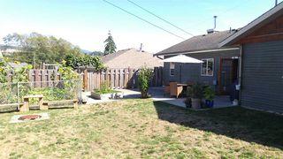 Photo 16: 5756 NEPTUNE Road in Sechelt: Sechelt District House for sale (Sunshine Coast)  : MLS®# R2491794