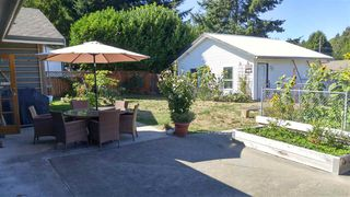 Photo 14: 5756 NEPTUNE Road in Sechelt: Sechelt District House for sale (Sunshine Coast)  : MLS®# R2491794