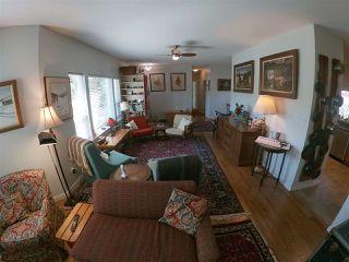 Photo 3: 5756 NEPTUNE Road in Sechelt: Sechelt District House for sale (Sunshine Coast)  : MLS®# R2491794