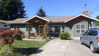 Photo 2: 5756 NEPTUNE Road in Sechelt: Sechelt District House for sale (Sunshine Coast)  : MLS®# R2491794