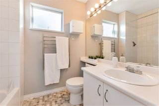 """Photo 36: 3 925 TOBRUCK Avenue in North Vancouver: Mosquito Creek Townhouse for sale in """"KENSINGTON GARDEN"""" : MLS®# R2510119"""