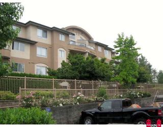 "Photo 1: 102 7475 138TH Street in Surrey: East Newton Condo for sale in ""CARDINALS COURT"" : MLS®# F2901994"