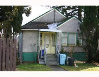 Photo 2: 1406 NANAIMO Street in New_Westminster: West End NW House for sale (New Westminster)  : MLS®# V754949