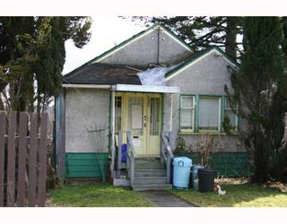 Photo 1: 1406 NANAIMO Street in New_Westminster: West End NW House for sale (New Westminster)  : MLS®# V754949