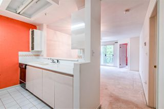 """Photo 5: 203 1537 CHARLES Street in Vancouver: Grandview Woodland Condo for sale in """"Charles Gardens"""" (Vancouver East)  : MLS®# R2394813"""