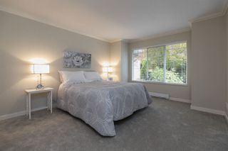 "Photo 10: 114 8737 212 Street in Langley: Walnut Grove Townhouse for sale in ""Chartwell Green"" : MLS®# R2410858"