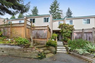 Photo 1: 136 15215 105 Avenue in Surrey: Guildford Townhouse for sale (North Surrey)  : MLS®# R2422053