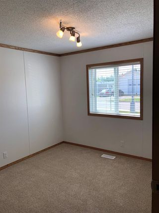 Photo 8: 10487 98 Street: Taylor Manufactured Home for sale (Fort St. John (Zone 60))  : MLS®# R2422483