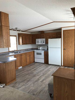Photo 3: 10487 98 Street: Taylor Manufactured Home for sale (Fort St. John (Zone 60))  : MLS®# R2422483