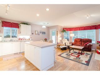 """Photo 9: 75 6488 168 Street in Surrey: Cloverdale BC Townhouse for sale in """"Turnberry"""" (Cloverdale)  : MLS®# R2426262"""