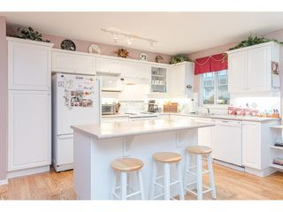 """Photo 7: 75 6488 168 Street in Surrey: Cloverdale BC Townhouse for sale in """"Turnberry"""" (Cloverdale)  : MLS®# R2426262"""
