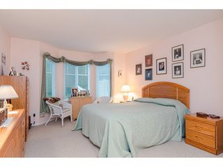 """Photo 13: 75 6488 168 Street in Surrey: Cloverdale BC Townhouse for sale in """"Turnberry"""" (Cloverdale)  : MLS®# R2426262"""