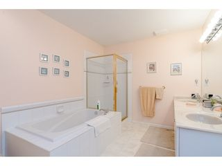 """Photo 14: 75 6488 168 Street in Surrey: Cloverdale BC Townhouse for sale in """"Turnberry"""" (Cloverdale)  : MLS®# R2426262"""