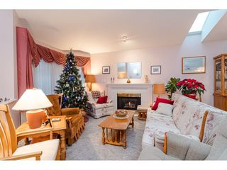 """Photo 4: 75 6488 168 Street in Surrey: Cloverdale BC Townhouse for sale in """"Turnberry"""" (Cloverdale)  : MLS®# R2426262"""