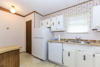 """Photo 9: 142 3665 244 Street in Langley: Otter District Manufactured Home for sale in """"LANGLEY GROVE ESTATES"""" : MLS®# R2433937"""