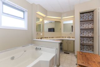 """Photo 13: 142 3665 244 Street in Langley: Otter District Manufactured Home for sale in """"LANGLEY GROVE ESTATES"""" : MLS®# R2433937"""