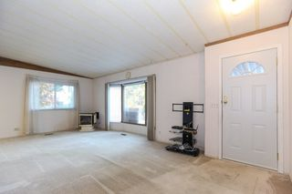 """Photo 3: 142 3665 244 Street in Langley: Otter District Manufactured Home for sale in """"LANGLEY GROVE ESTATES"""" : MLS®# R2433937"""