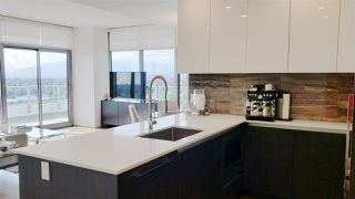 """Photo 4: 2108 1888 GILMORE Avenue in Burnaby: Brentwood Park Condo for sale in """"TRIOMPHE"""" (Burnaby North)  : MLS®# R2447396"""