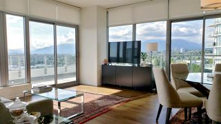 "Photo 6: 2108 1888 GILMORE Avenue in Burnaby: Brentwood Park Condo for sale in ""TRIOMPHE"" (Burnaby North)  : MLS®# R2447396"