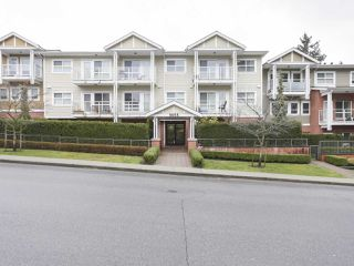 """Main Photo: 107 5655 INMAN Avenue in Burnaby: Central Park BS Condo for sale in """"North Parc"""" (Burnaby South)  : MLS®# R2481174"""