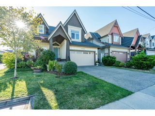 Photo 2: 7069 197B Street in Langley: Willoughby Heights House for sale : MLS®# R2493540