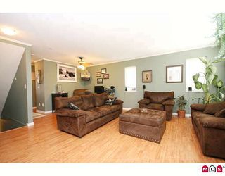 """Photo 4: 27 5388 201A Street in Langley: Langley City Townhouse for sale in """"THE COURTYARD"""" : MLS®# F2919869"""