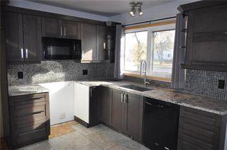 Photo 3: 7 1032 Buchanan Boulevard in Winnipeg: Crestview Condominium for sale (5H)  : MLS®# 202025725