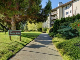 Photo 2: 207 75 W Gorge Rd in : SW Gorge Condo for sale (Saanich West)  : MLS®# 858739
