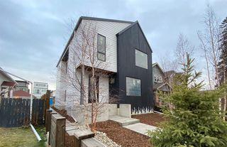Main Photo: 1110 17 Avenue NW in Calgary: Capitol Hill Detached for sale : MLS®# A1049026