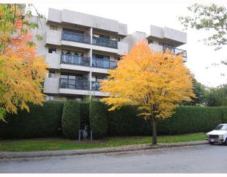 "Photo 2: 409 2142 CAROLINA Street in Vancouver: Mount Pleasant VE Condo for sale in ""WOOD DALE"" (Vancouver East)  : MLS®# V793315"
