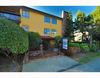"Photo 10: 203 215 N TEMPLETON Drive in Vancouver: Hastings Condo for sale in ""PORTO VISTA"" (Vancouver East)  : MLS®# V797867"
