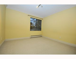 "Photo 5: 203 215 N TEMPLETON Drive in Vancouver: Hastings Condo for sale in ""PORTO VISTA"" (Vancouver East)  : MLS®# V797867"