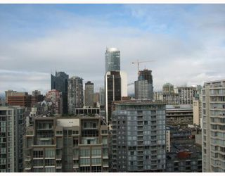 """Photo 5: 2304 1055 HOMER Street in Vancouver: Downtown VW Condo for sale in """"DOMUS"""" (Vancouver West)  : MLS®# V798814"""