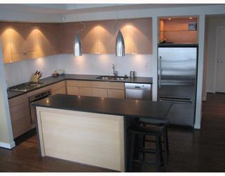"""Photo 2: 2304 1055 HOMER Street in Vancouver: Downtown VW Condo for sale in """"DOMUS"""" (Vancouver West)  : MLS®# V798814"""