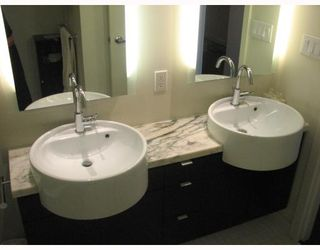 """Photo 7: 2304 1055 HOMER Street in Vancouver: Downtown VW Condo for sale in """"DOMUS"""" (Vancouver West)  : MLS®# V798814"""