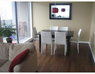 """Photo 3: 2304 1055 HOMER Street in Vancouver: Downtown VW Condo for sale in """"DOMUS"""" (Vancouver West)  : MLS®# V798814"""