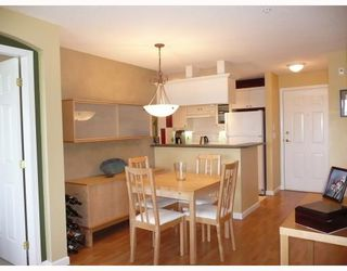 "Photo 4: 302 5600 ANDREWS Road in Richmond: Steveston South Condo for sale in ""THE LAGOONS"" : MLS®# V727206"