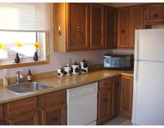Photo 3: 90 DELORME Bay in WINNIPEG: Fort Garry / Whyte Ridge / St Norbert Residential for sale (South Winnipeg)  : MLS®# 2821766