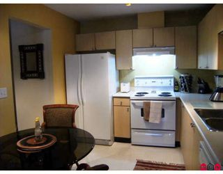 """Photo 3: 215 10186 155TH Street in Surrey: Guildford Condo for sale in """"Somerset"""" (North Surrey)  : MLS®# F2833763"""