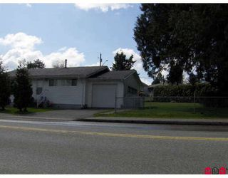 Photo 2: 11169 WALLACE Drive in Surrey: Bolivar Heights House for sale (North Surrey)  : MLS®# F2906937