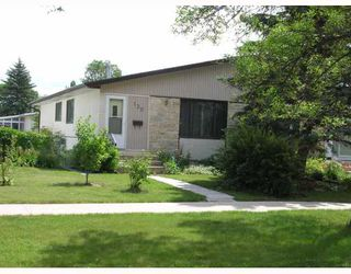 Photo 1: 139 HENDON Avenue in WINNIPEG: Charleswood Residential for sale (South Winnipeg)  : MLS®# 2905783