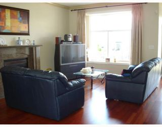 Photo 5: 5736 BURNS Place in Burnaby: Upper Deer Lake House 1/2 Duplex for sale (Burnaby South)  : MLS®# V768194
