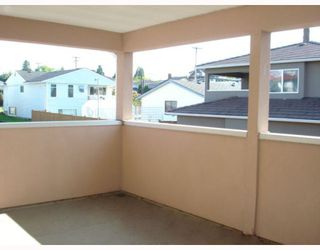 Photo 3: 5736 BURNS Place in Burnaby: Upper Deer Lake House 1/2 Duplex for sale (Burnaby South)  : MLS®# V768194