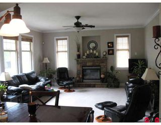 "Photo 2: 44582 MCLAREN Drive in Sardis: Vedder S Watson-Promontory House for sale in ""WEBSTER LANDING"" : MLS®# H2902054"