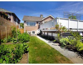 Photo 9: 2928 E GEORGIA Street in Vancouver: Renfrew VE House for sale (Vancouver East)  : MLS®# V778248