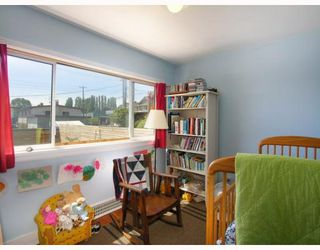 Photo 10: 2928 E GEORGIA Street in Vancouver: Renfrew VE House for sale (Vancouver East)  : MLS®# V778248