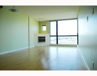"""Photo 2: 908 7831 WESTMINSTER Highway in Richmond: Brighouse Condo for sale in """"CAPRI"""" : MLS®# V779168"""