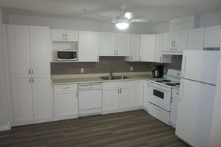 Photo 4: 206 11104 109 Avenue in Edmonton: Zone 08 Condo for sale : MLS®# E4176132