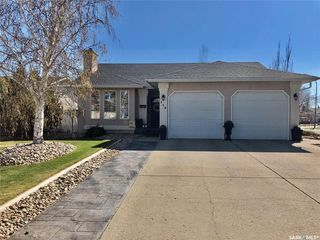 Photo 1: 112 Janet Drive in Battleford: Residential for sale : MLS®# SK808343